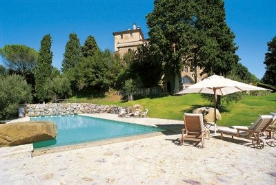 vacation-rental-photo_Italy_HII-IPC_Villa-I-Palazzi-Casale-Torre_ipcpol02_tablet