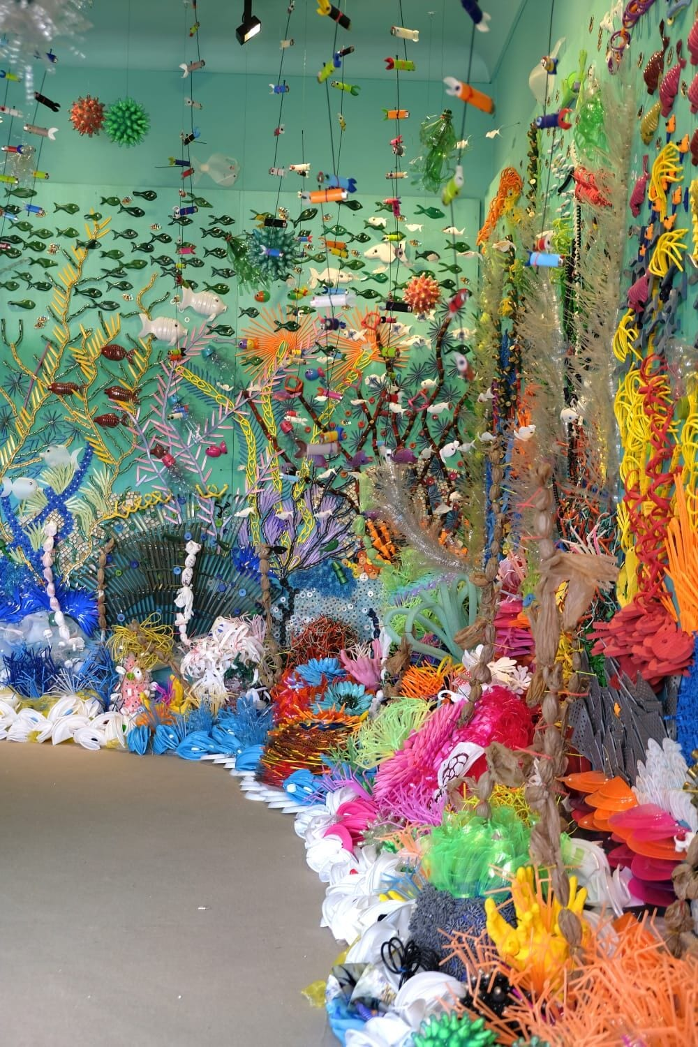 Federico Uribe Plastic coral reef